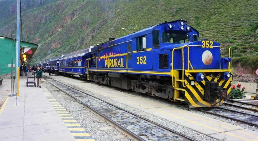 vistadome service train to machupicchu from ollantaytambo
